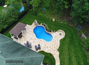 Should Pool Copings and Pavers Match?